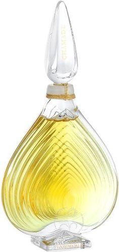 Guerlain - Chamade - Extrait Flacon Original Ein Duft, der sich vor der Liebe verneigt. Mit Bergamotte, Maiglöckchen und Vanille.   #guerlain #chamade #parfum #extraitparfum #flakon #inspiration #duft #parfumgefluester