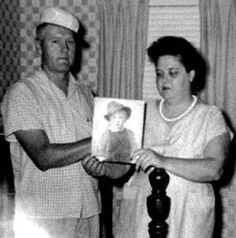 Rare Gladys Presley Here Pregnant With Elvis An His Twin