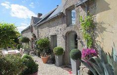 Propriété XVIII ème à Guérande France, Plants, Warm Home Decor, Brittany, Homes, Plant, Planets, French