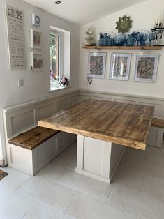 Corner Booth Kitchen Table, Corner Dining Table, Booth Seating In Kitchen, Banquette Seating In Kitchen, Dining Room Bench Seating, Kitchen Benches, Dining Room Design, Dining Table Bench Seat, Kitchen Booths