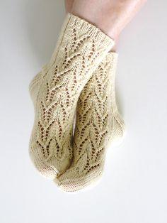 Ravelry: Kesäillan valssi pattern by Niina Laitinen Crochet Socks, Knitting Socks, Knit Crochet, One Color, Colour, Yarn Colors, Ravelry, Elsa, Arts And Crafts