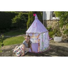 Fairytale princess playtent perfect for small children who love princesses. The high quality playtent can be used indoors and outdoors. Garden Games, Imaginative Play, Cleaning Wipes, Fairy Tales, Colourful Designs, Castle, Fantasy, Traditional, Pop