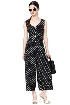 I like the cut Jessie Jumpsuit Look Fashion, Girl Fashion, Fashion Design, Girls Fashion Clothes, Fashion Dresses, Sunmer Dresses, Modele Hijab, Jumpsuit Dressy, Pants For Women