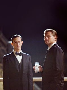"""Joseph Gordon-Levitt and Leonardo DiCaprio portray the characters of Arthur and Dominick """"Dom"""" Cobb respectively in the movie """"Inception"""". Joseph Gordon Levitt, Sherlock Holmes, Leonardo Dicaprio Inception, Nolan Film, Leo And Kate, Bae, Christopher Nolan, Moving Pictures, Michel"""