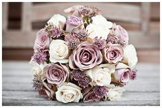 Gorgeous winter lilac bouquet. Love these frosty colors!