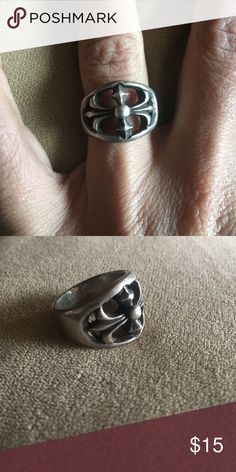 Silver Ring Could use a cleaning. Jewelry Rings