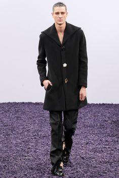 J.W.Anderson Fall 2015 Menswear Fashion Show