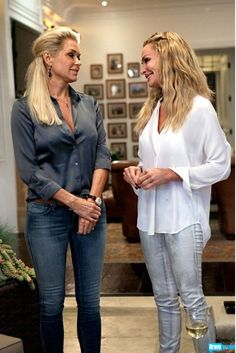 The Real Housewives Of Beverly Hills: Meet Yolanda Foster Fashion Over, Daily Fashion, Taylor Armstrong, Yolanda Foster, Jessica Alba Style, Old Hollywood Style, Housewives Of Beverly Hills, Real Housewives, Love Her Style