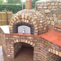 Mezzo 76 - Daniel Kelland - The Stone Bake Oven Company - Zeugs - Forno Receitas Pizza Oven For Sale, Build A Pizza Oven, Pizza Oven Kits, Diy Pizza Oven, Pizza Ovens, Brick Oven Outdoor, Brick Bbq, Pizza Oven Outdoor, Diy Outdoor Kitchen