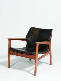 Illum Wikkelsø; Oak and Leather Lounge Chair, c1960.