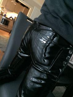 Leather Pants, Skinny Jeans, Fashion, Surfboard Wax, Leather Jogger Pants, Moda, Fashion Styles, Lederhosen, Leather Leggings