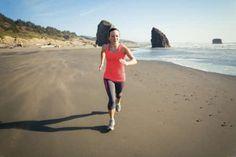 """La corsa in spiaggia """"brucia grassi"""""""