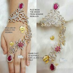 Ram liked it Antique Jewellery Designs, Fancy Jewellery, Gold Jewellery Design, Indian Bridal Jewelry Sets, Wedding Jewelry Sets, Hand Jewelry, Indian Bollywood, Bangle, Full Finger Rings