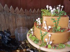 WEDDING CAKE WITH FERNS AND MUSHROOMS - Google Search