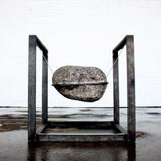 Was the first chair a stone ? chaise pierre par Lucas Munoz
