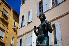 Statue of Venus by Aristide Maillol at Place de La Loge