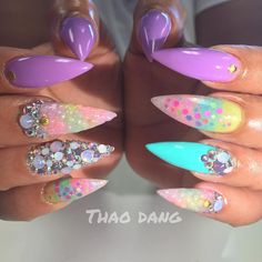 """1,017 Likes, 25 Comments - ThaoDang (Appointments Only) (@nailsbytdang) on Instagram: """"#lovepeacenails"""""""