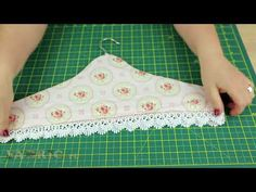 Small Sewing Projects, Sewing Projects For Beginners, Sewing Hacks, Sewing Tutorials, Sewing Crafts, Fabric Covered Hangers, Padded Coat Hangers, Hand Embroidery Stitches, Hand Quilting