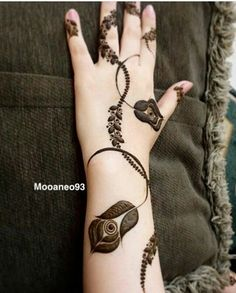 Searching for stylish mehndi designs for the party that look gorgeous? Stylish Mehndi Design is the best mehndi design for any func. Floral Henna Designs, Finger Henna Designs, Arabic Henna Designs, Mehndi Designs 2018, Mehndi Designs For Girls, Mehndi Designs For Beginners, Modern Mehndi Designs, Mehndi Design Photos, Mehndi Designs For Fingers