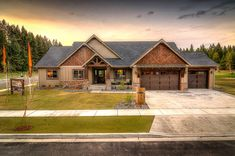 Good ranch style home colors only in home like art design Dream House Exterior, Exterior House Colors, Dream House Plans, House Floor Plans, Exterior Design, Style At Home, Aspen House, Home Decoracion, Craftsman House Plans