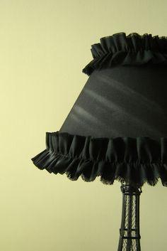 Sunny Tuesday: DIY Ruffle Lampshade