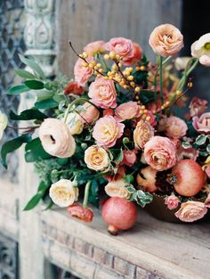 Can we talk about this arrangement designed by Amy Osaba for a sec? I want to pluck every bloom from it and devour it like candy. Is that weird? The peachy pink hues are right up my alley and I