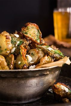 Sprinkled with feta cheese and drizzled with garlic dill butter, these roasted Jerusalem artichokes are simply finger-licking good! Check out our Savory Recipes board for our favorite food photography, dinner ideas & healthy vegetarian dishes. Vegetable Recipes, Vegetarian Recipes, Cooking Recipes, Healthy Recipes, Dishes Recipes, Jerusalem Artichoke Recipe, Artichoke Recipes, Roasted Artichoke, Good Food