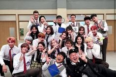 Bangtwice at knowingbros☄-cr to bangtwice_bapink who made this beaut K Pop, Bts Show, Twice Group, Bts Predebut, Bts Twice, Bts Group Photos, Kpop Couples, Blackpink And Bts, Bts Fans