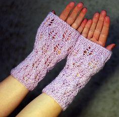 Dusty pink Lace fingerless gloves wool arm warmers by ESTtoYou