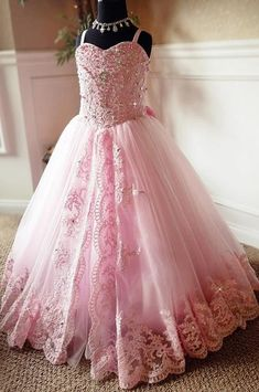 2019 Beautiful Pink Lace Appliques Beads Long Flower Girl Dresses Spaghetti Straps Custom Kids First Communion Pageant Party Gowns Beaded Tulle Balls, Tulle Ball Gown, Ball Gowns, Princess Flower Girl Dresses, Little Girl Dresses, Girls Dresses, Flower Dresses, Long Dresses, Dress Long