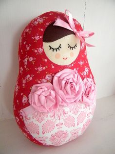Babushka Doll, could make a pocket in front for baby dolls l Doll Crafts, Sewing Crafts, Sewing Projects, Crafts For Kids, Matryoshka Doll, Kokeshi Dolls, Felt Dolls, Doll Toys, Baby Dolls