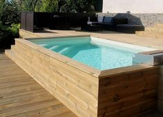 Les plus belles piscines hors-sol Above-ground wooden swimming pool Mini Swimming Pool, Oberirdischer Pool, Swiming Pool, Mini Pool, Rooftop Pool, Small Backyard Pools, Small Pools, Swimming Pools Backyard, Garden Pool