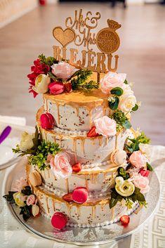 Selections of wedding cakes photos from my weddings. Romania, Weddingideas, Wedding Planner, Wedding Cakes, Wedding Decorations, Wedding Inspiration, Wedding Photography, Sweets, Restaurant