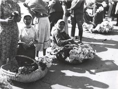 Nicolae Ionescu Women selling flowers at the Grand Market in 1929 Thing 1, Bucharest, World War Two, Romania, Art History, Two By Two, Museum, Photography, Image