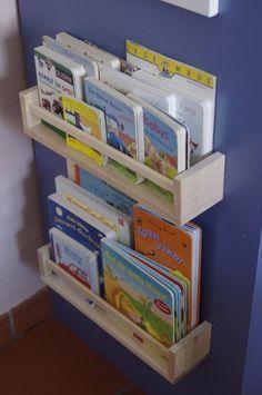 spice rack / etagère à épice en support livres dans la chambre de bébé