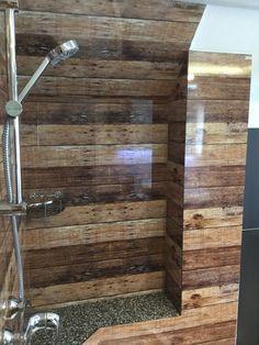 Neues Ambiente einer Dusche mit Rückwänden von Schön und Wieder, Teil 2  #kuechenrueckwand #duschrueckwand #schoenundwieder
