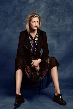 KRISS Fall Collection 2014. Skirt, blouse and a jacket