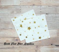 """Gold Star Napkins, Twinkle Twinkle Little Star First Birthday, Dinner Dessert Paper Napkins, Christmas Party Decor, First Birthday Decorations, Boy Girl Baby Shower, Wish Upon A Star Moon, New Years Gold Wedding Decorations, Metallic Party Ideas, Gender Neutral Baby Shower, Gender Neutral   This item ships in 1-3 business days!  Add a delicate touch to your event with these beautiful gold foil star napkins! Approx Size: 5 x 5 Inches  Select the amount of napkins from """"drop down"""" menu…"""