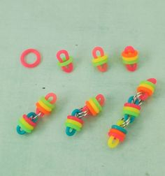 Easy DIY Jewelry - Premium Worry Bracelet Kit Neon Rubber and Aluminum by UnkamenSupplies Homemade Fidget Toys, Diy Fidget Toys, Diy Sensory Toys, Loom Band Bracelets, Diy Bracelets Easy, Bracelet Crafts, Rainbow Loom Patterns, Rainbow Loom Bands, Diy Crafts For Girls