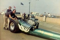 Dusty Rhodes gets pushed around for the start in 1965. Photo from the Daryl Huffman Collection.jpg