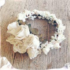Sea of Love Flower Crown Snow White by wildandfreejewelry on Etsy, $145.00