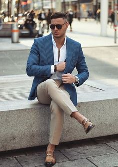 Men's Fashion, Mens Fashion Wear, Casual Outfits, Men Casual, Tan Pants, Street Style, Wedding Suits, Style Guides, Street Wear