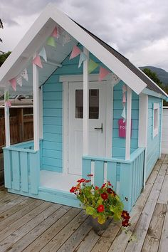 turquoise play house | Huset ved Fjorden