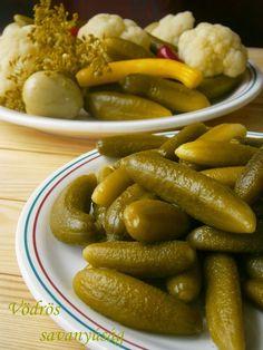 Vödrös savanyúság 2 🍴 Okra, Sausage, Meat, Food, Canning, Hungarian Recipes, Sausages, Essen, Gumbo