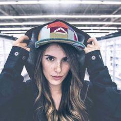 compra colombiano Marca colombiana #Streetwear #trendy #outfit #buyonline #sudaderas  #conjuntos  #accesorios Captain Hat, Instagram, Hats, Fashion, Shopping, Sweatshirts, Branding, Tents, Accessories