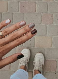 37 Lighter Warm Brown Nails Are Very Lovely nails, brown nails, natural nails,nail art Shellac Nails Fall, Fall Acrylic Nails, Diy Nails, Simple Fall Nails, Cute Spring Nails, Nails For Autumn, Nails Design Autumn, Short Gel Nails, Short Nails Art
