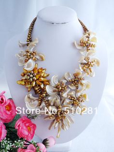 free shipping!!! Z-987 Elegant shell Beads Handmade Flower Jewelry Necklace For Wedding Party $62.39