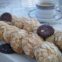 Almond Cookies, Cookie Recipes, Biscuits, Baking, Pastries, Desserts, Food, Recipes For Biscuits, Crack Crackers