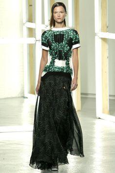 http://www.style.com/fashionshows/complete/slideshow/S2013RTW-RODARTE/#26