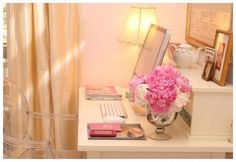 I really want a home office desk like this...something so simple and clean...